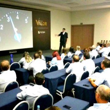 Palestrante Motivacional para Convenção de Vendas com Palestras Paul&Jack em Foz do Iguaçu para Tectron